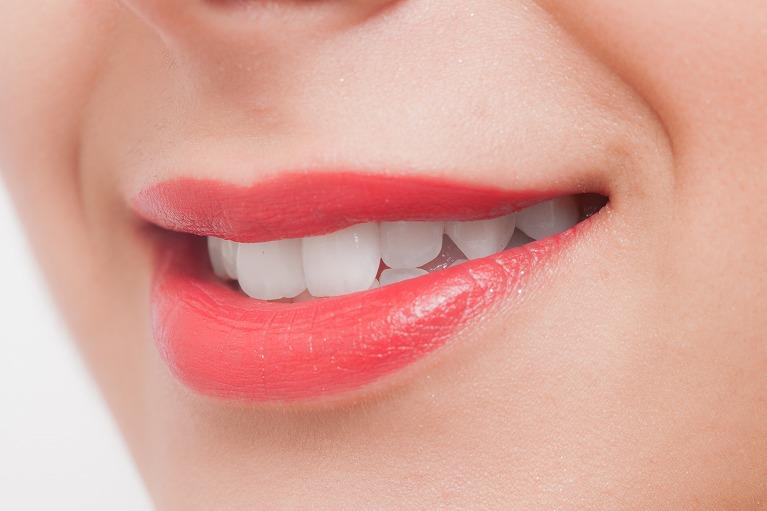 より健康で美しいお口のためにホワイトニングを