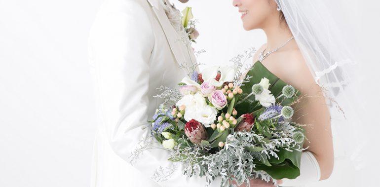 大阪のHANA Intelligence 歯科•矯正歯科では結婚式などを控えた方の為に、部分矯正を行なっています